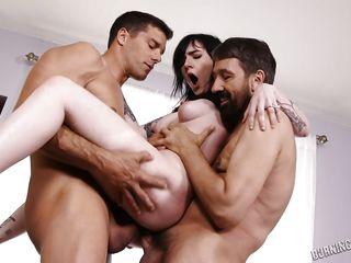 Рассказы групповой секс первый раз