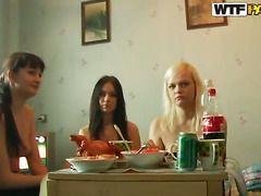 Смотреть частное видео русских свингеров