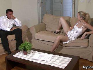 Порно видео зрелых мамочек