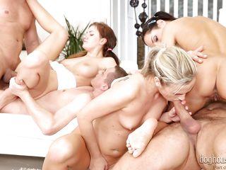 Межрассовый групповой секс